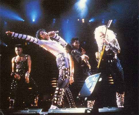 Bad World Tour Onstage- Various - Page 2 350