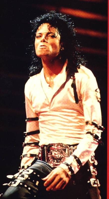 Bad World Tour Onstage- Various - Page 2 356