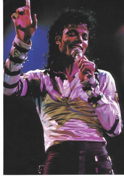Bad World Tour Onstage- Various - Page 2 363