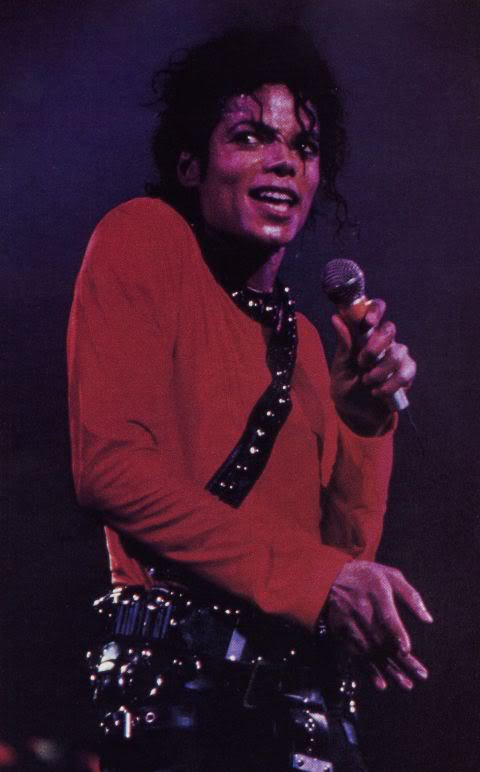 Bad World Tour Onstage- Various - Page 2 364