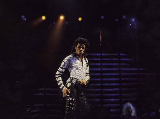Bad World Tour Onstage- Various - Page 2 371