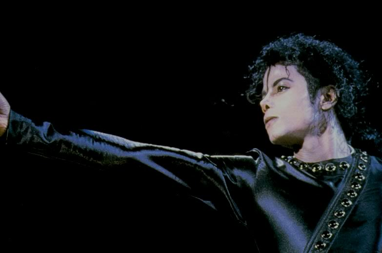 Bad World Tour Onstage- Various - Page 2 374