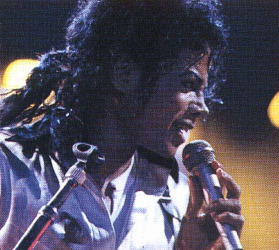 Bad World Tour Onstage- Various - Page 2 384