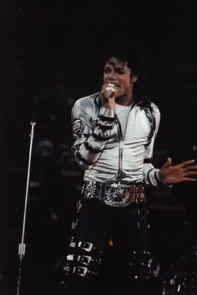 Bad World Tour Onstage- Various - Page 2 387