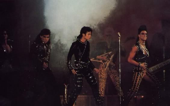 Bad World Tour Onstage- Various - Page 2 397