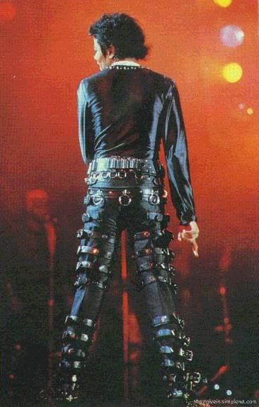 Bad World Tour Onstage- Various - Page 2 401