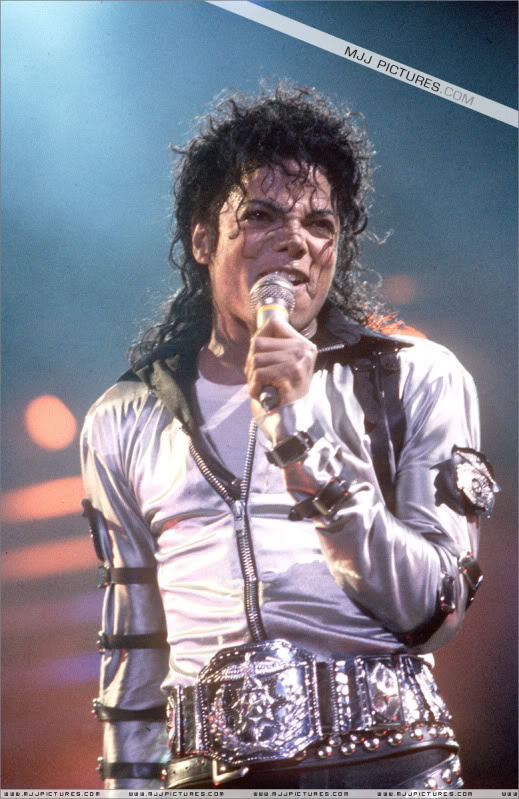 Bad World Tour Onstage- Various - Page 2 420