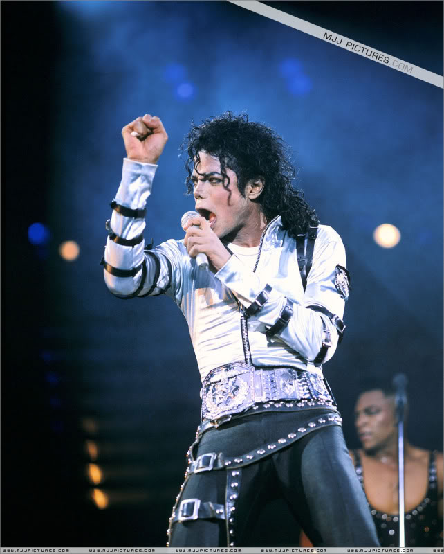 Bad World Tour Onstage- Various - Page 2 447
