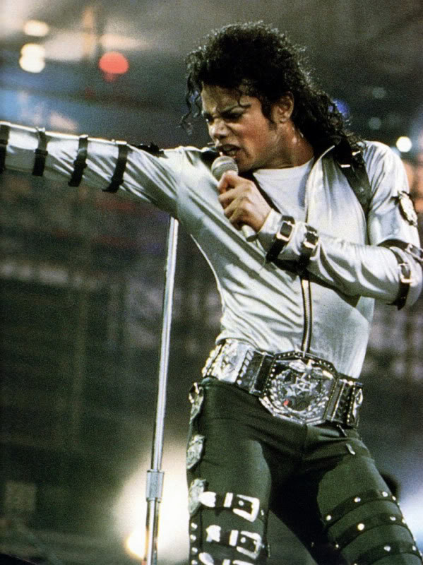 Bad World Tour Onstage- Various - Page 2 450