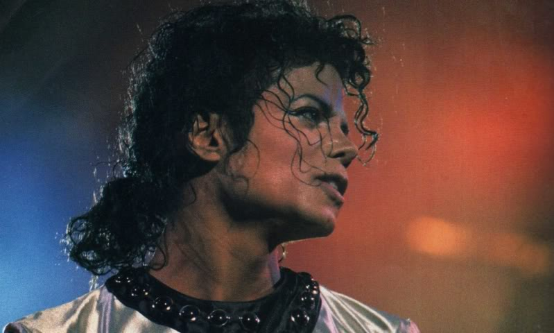 Bad World Tour Onstage- Various - Page 2 454