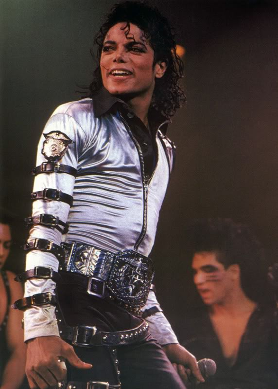 Bad World Tour Onstage- Various - Page 2 455
