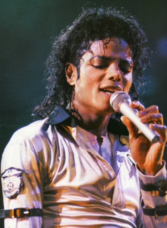 Bad World Tour Onstage- Various - Page 2 457