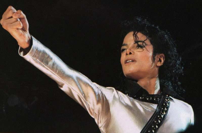 Bad World Tour Onstage- Various - Page 2 462