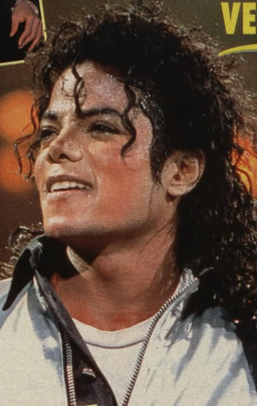 Bad World Tour Onstage- Various - Page 2 465