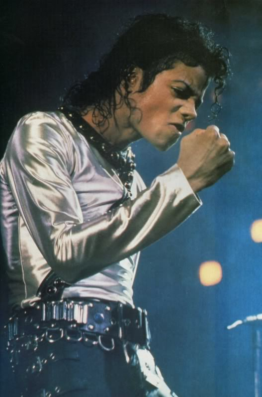 Bad World Tour Onstage- Various - Page 2 466