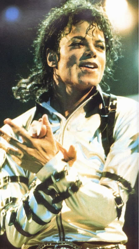 Bad World Tour Onstage- Various - Page 2 470