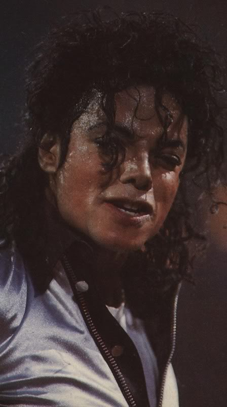 Bad World Tour Onstage- Various - Page 2 472