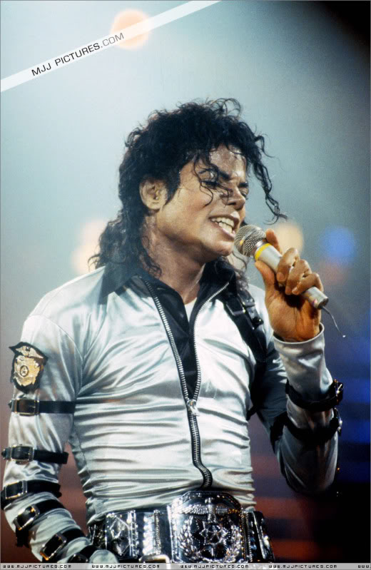Bad World Tour Onstage- Various - Page 2 486