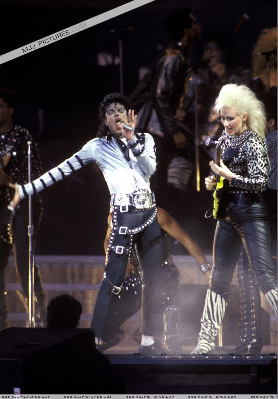 Bad World Tour Onstage- Various - Page 3 497