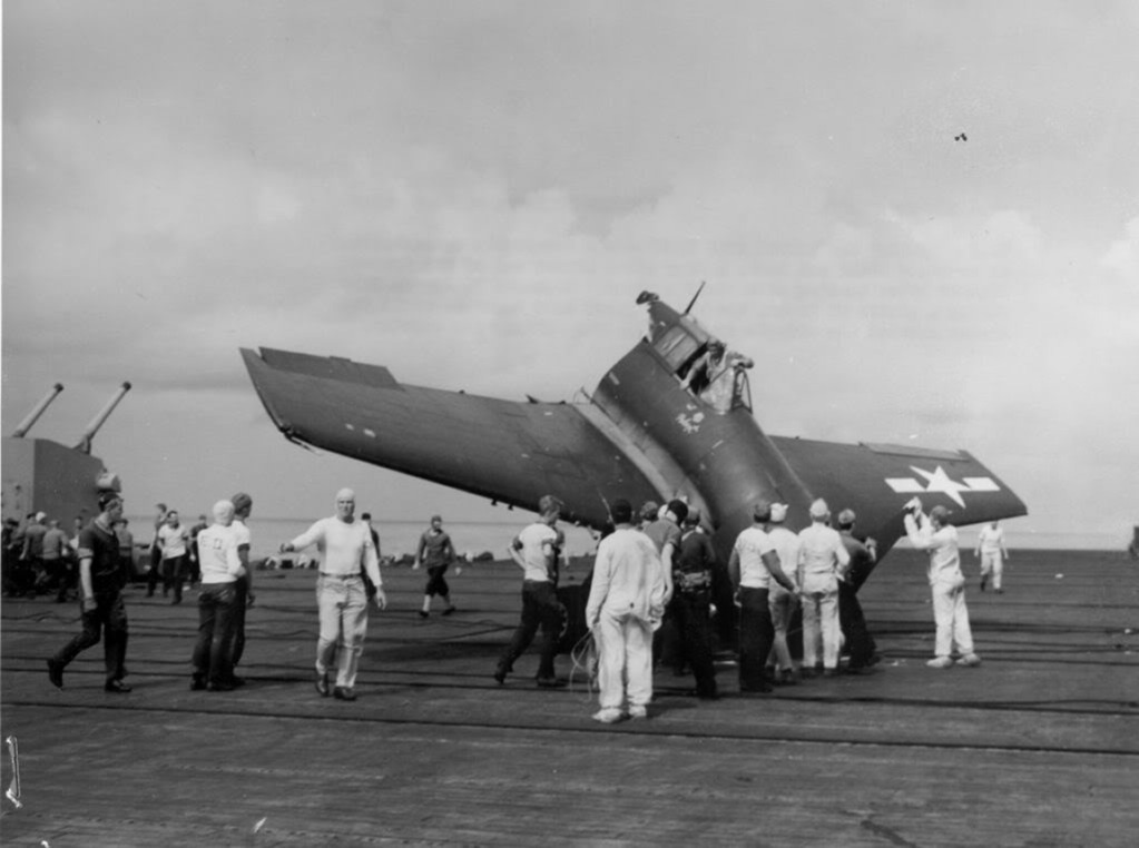 photo 33-USSLexington1945_zpsaa42e81a.jpg