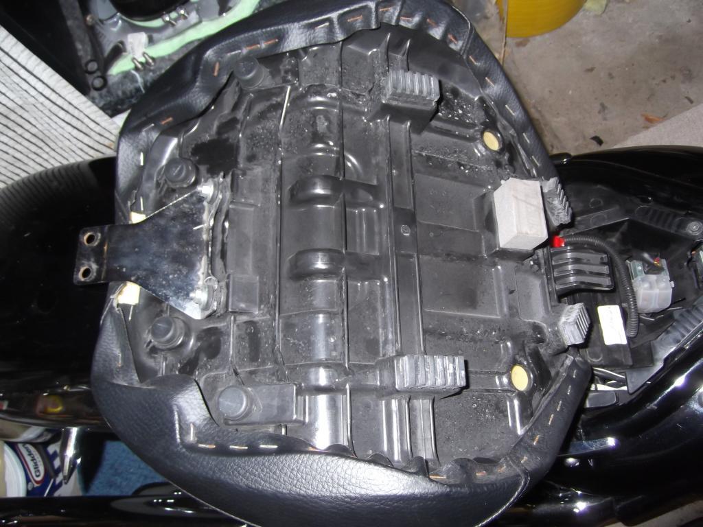 VL K1 Seat Swap for a C800 DSCF1507_zpsa6b6349d