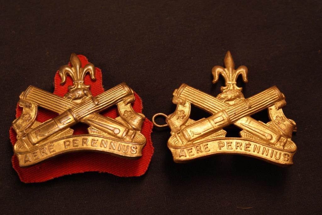 Régiment La Chaudière cap badge DSC03024_zps3crh6sei