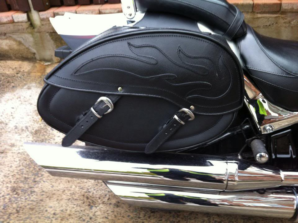 New Saddle Bags on Suzuki M800 / M50 404235_3128345324254_1133320408_3176649_341617779_n