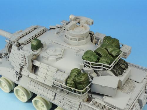 Nouveautés KMT (Kits Maquettes Tank). - Page 2 KMT%20Ref%20KMT35028K%20paquetages%20AMX%2030%20Brennus%20Tiger%20model%2001_zpsxle5dgab