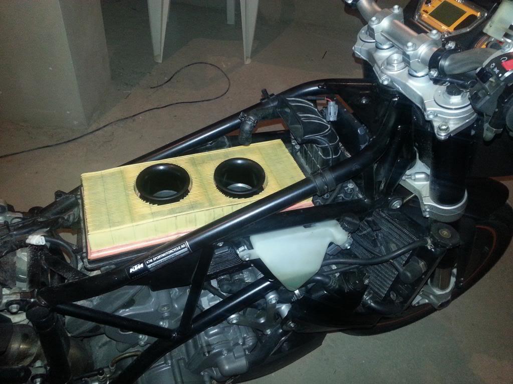 Tutorial cambio airbox de superduke a filtro espuma tipo motobox, cpr, motohooligan 2013-01-12181842_zpsc2040115