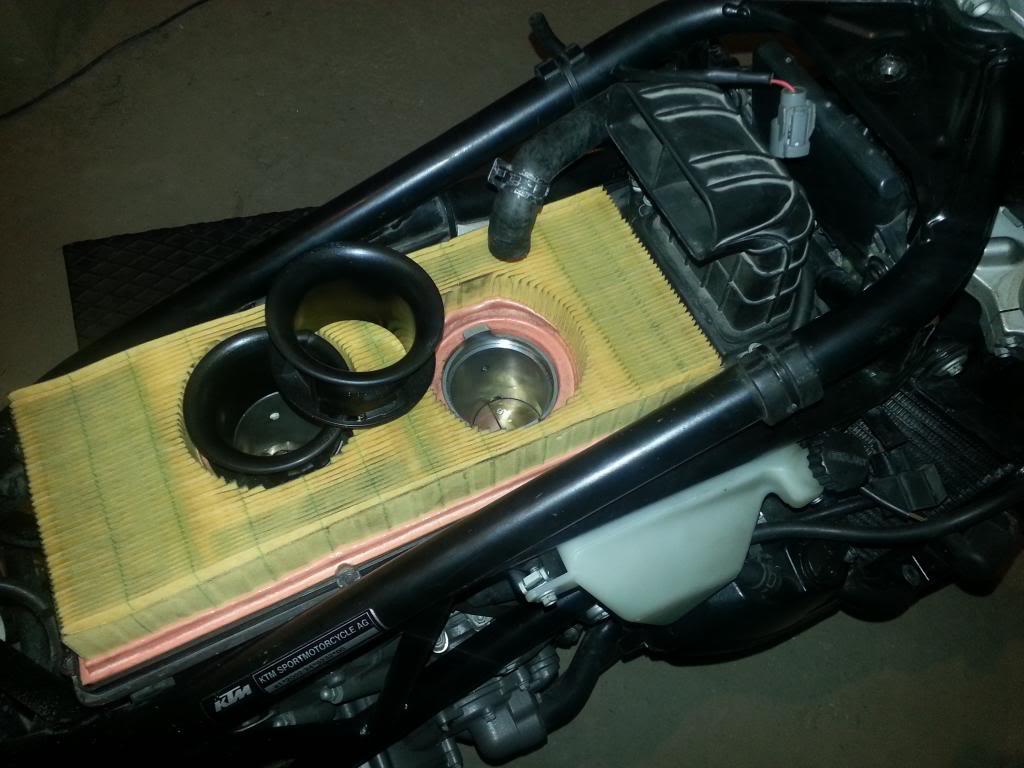 Tutorial cambio airbox de superduke a filtro espuma tipo motobox, cpr, motohooligan 2013-01-12181848_zps6f1cebea