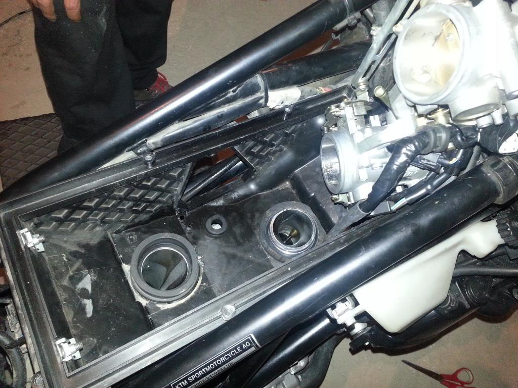 Tutorial cambio airbox de superduke a filtro espuma tipo motobox, cpr, motohooligan 2013-01-12183904_zpsdc1642ce