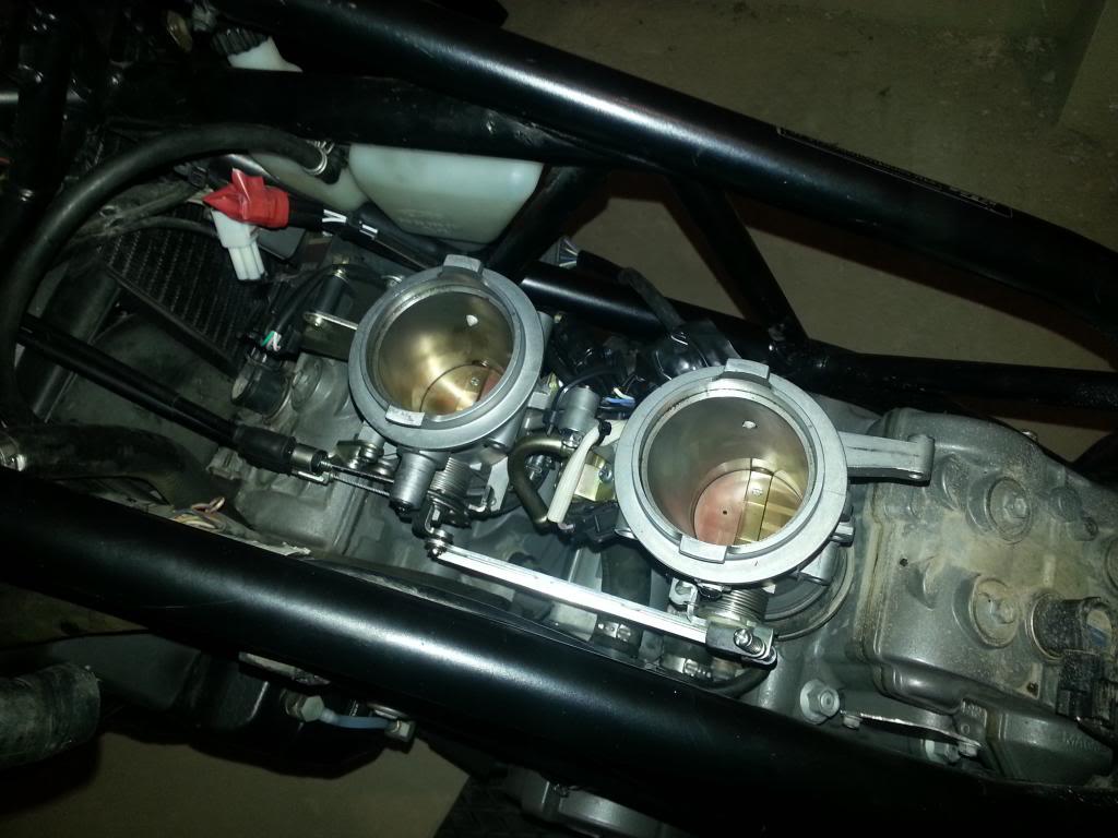 Tutorial cambio airbox de superduke a filtro espuma tipo motobox, cpr, motohooligan 2013-01-12185150_zps74c98ee1