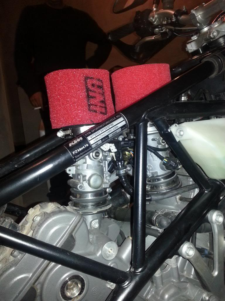 Tutorial cambio airbox de superduke a filtro espuma tipo motobox, cpr, motohooligan 2013-01-12185942_zps981f19a1