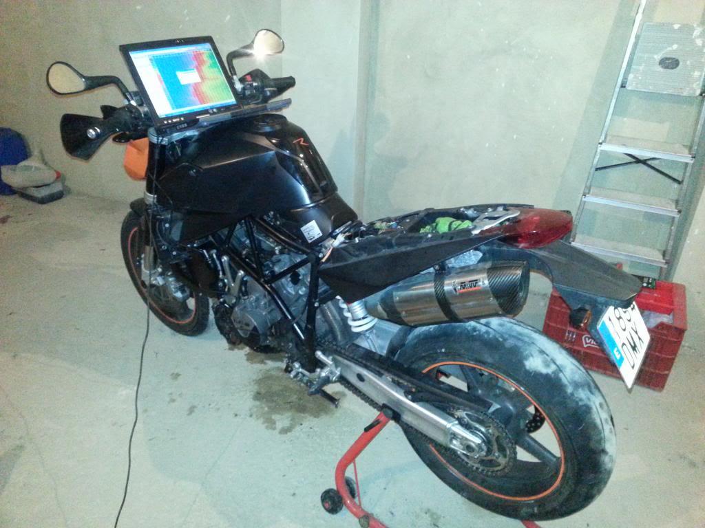 Tutorial cambio airbox de superduke a filtro espuma tipo motobox, cpr, motohooligan 2013-01-28155407_zps6e751aa0