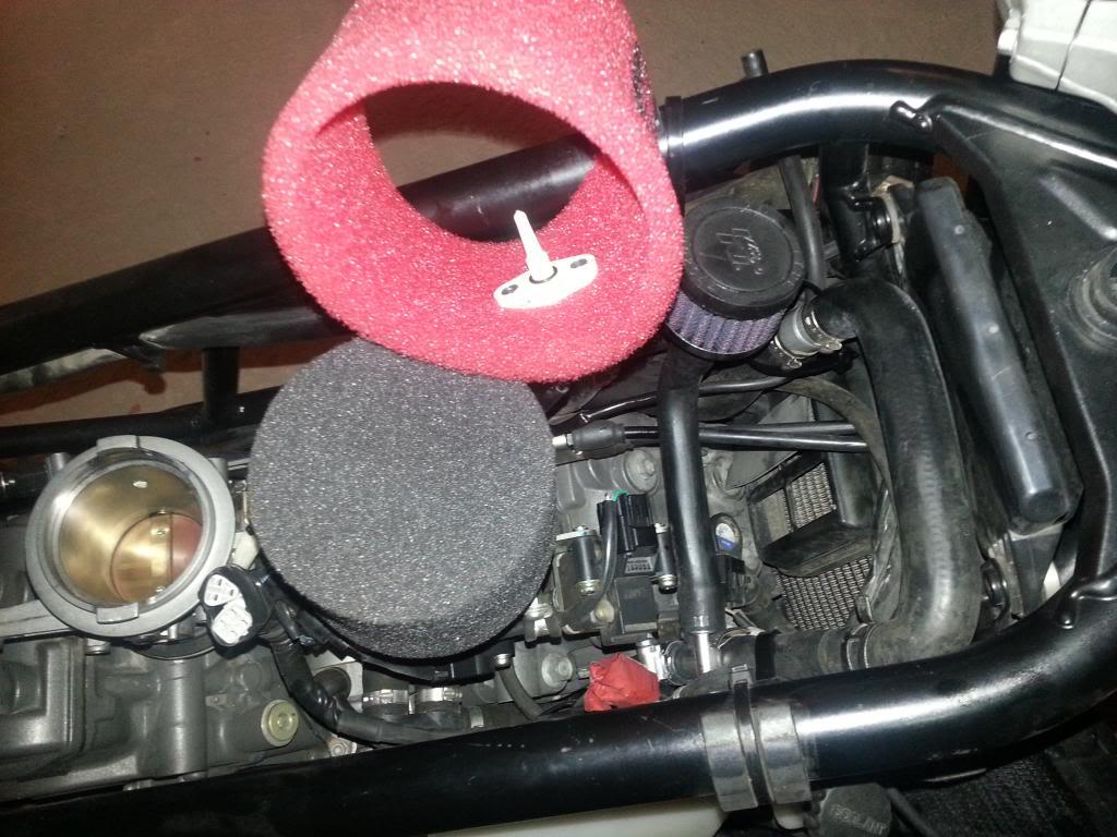 Tutorial cambio airbox de superduke a filtro espuma tipo motobox, cpr, motohooligan 20130228_150659_zps155f03d4