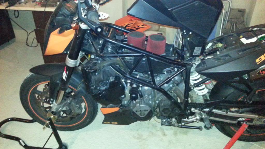 MOTOR REPASADO DE LA SUPERKATY !!! 20131219_155307_zps70beb86e