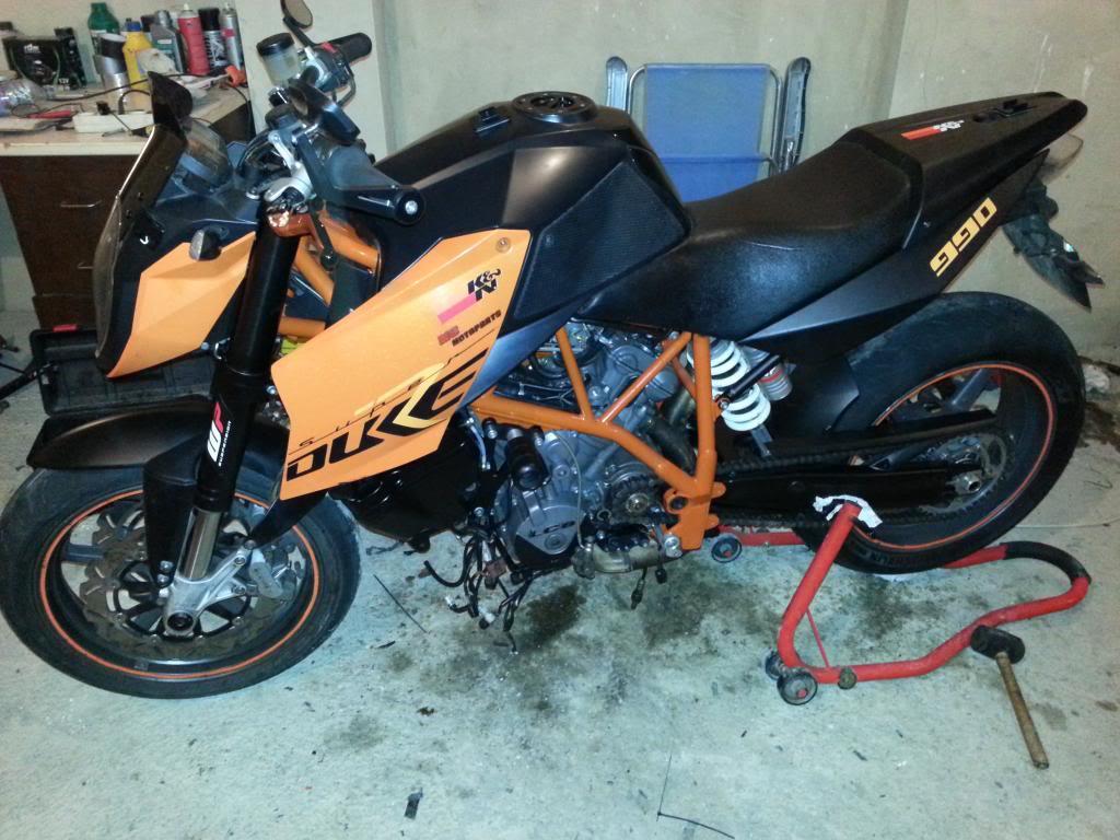 MOTOR REPASADO DE LA SUPERKATY !!! 20140213_014516_zps464a893b
