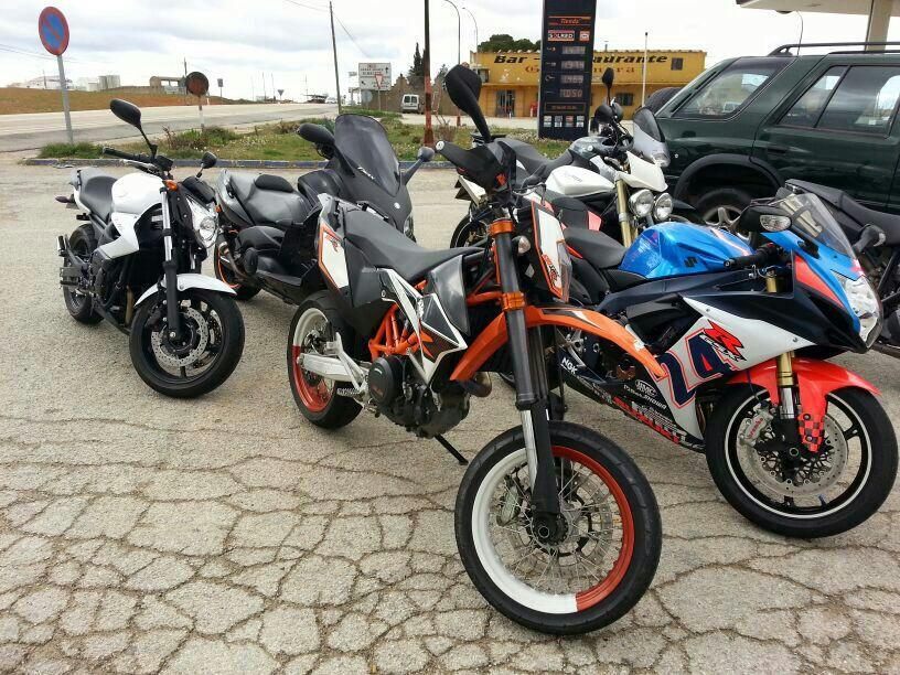 se cambia-vende KTM 690 SMC-R 2012  IMG-20130419-WA0003_zps0cf6187f