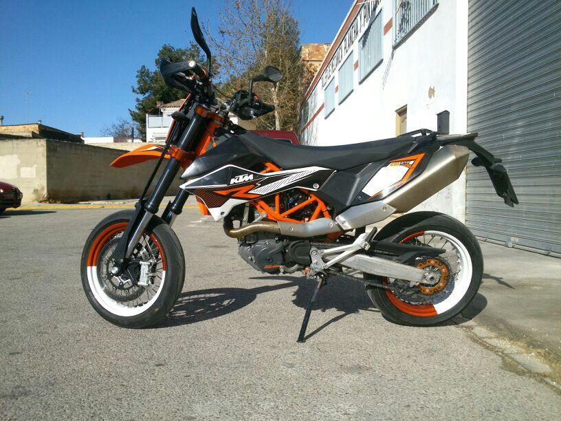 se cambia-vende KTM 690 SMC-R 2012  IMG-20130419-WA0005_zps1201648f