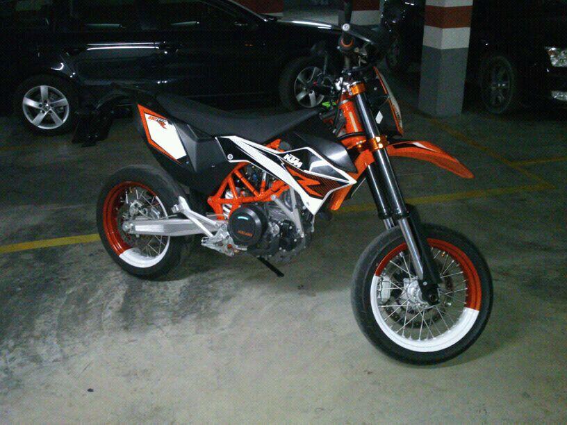 se cambia-vende KTM 690 SMC-R 2012  IMG-20130420-WA0004_zps0f58b6c3