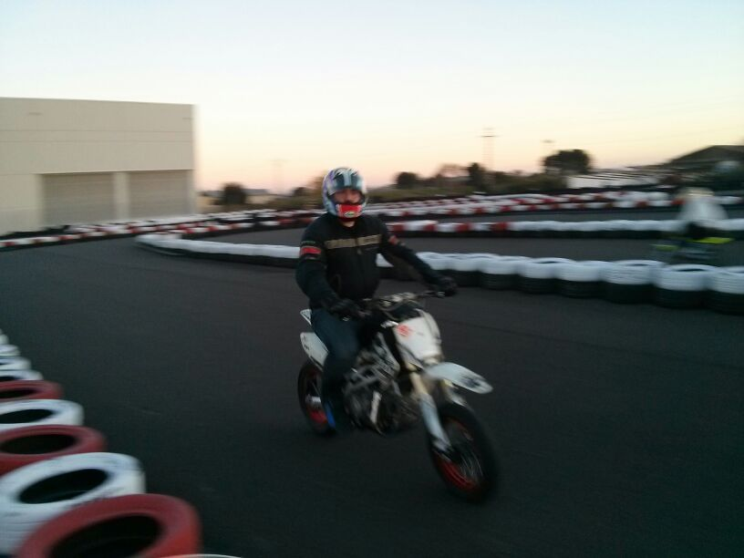 Pitbikes, esas pequeñas motos de circuito tan divertidas IMG-20131222-WA0051_zps5b090424