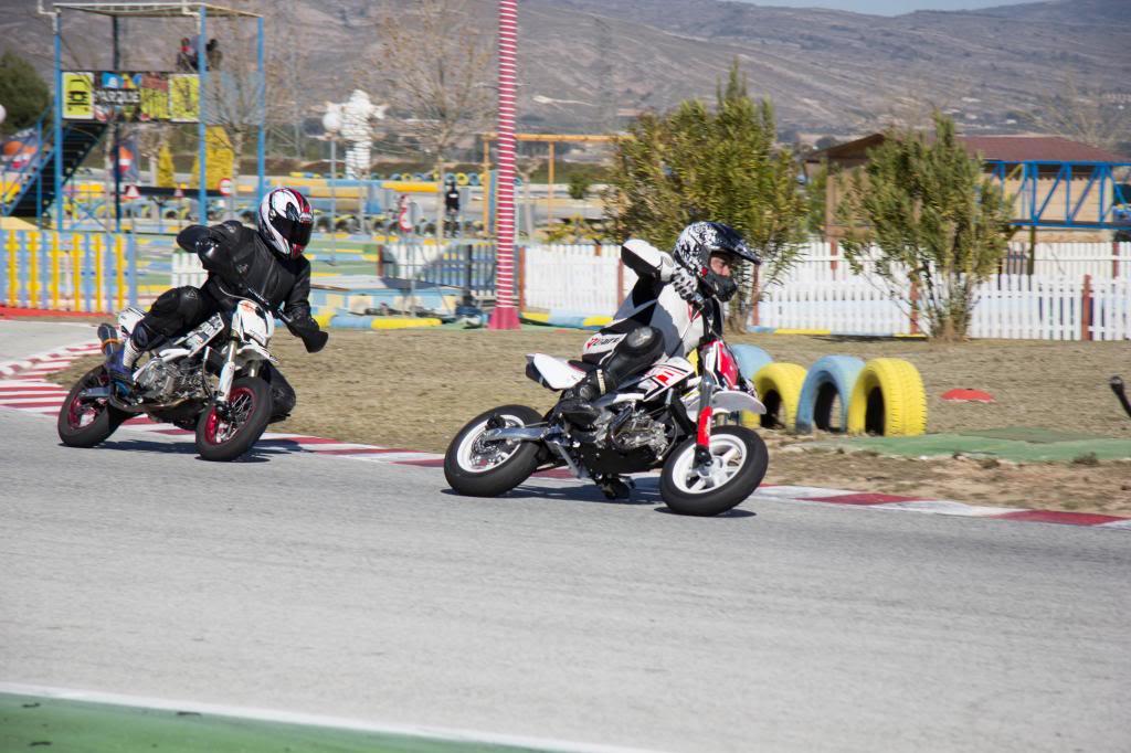Pitbikes, esas pequeñas motos de circuito tan divertidas IMG_7861_zpsf5d9d126