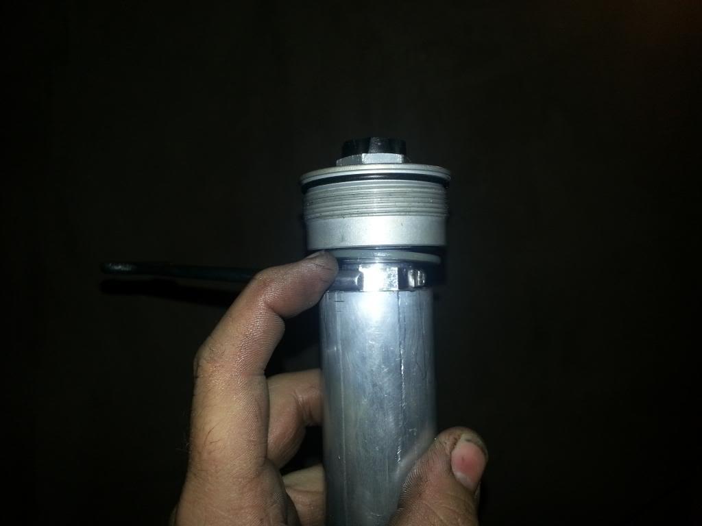 tutorial revisar y cambiar aceite horquillas wp superduke 20130521_142303_zps58c2200c
