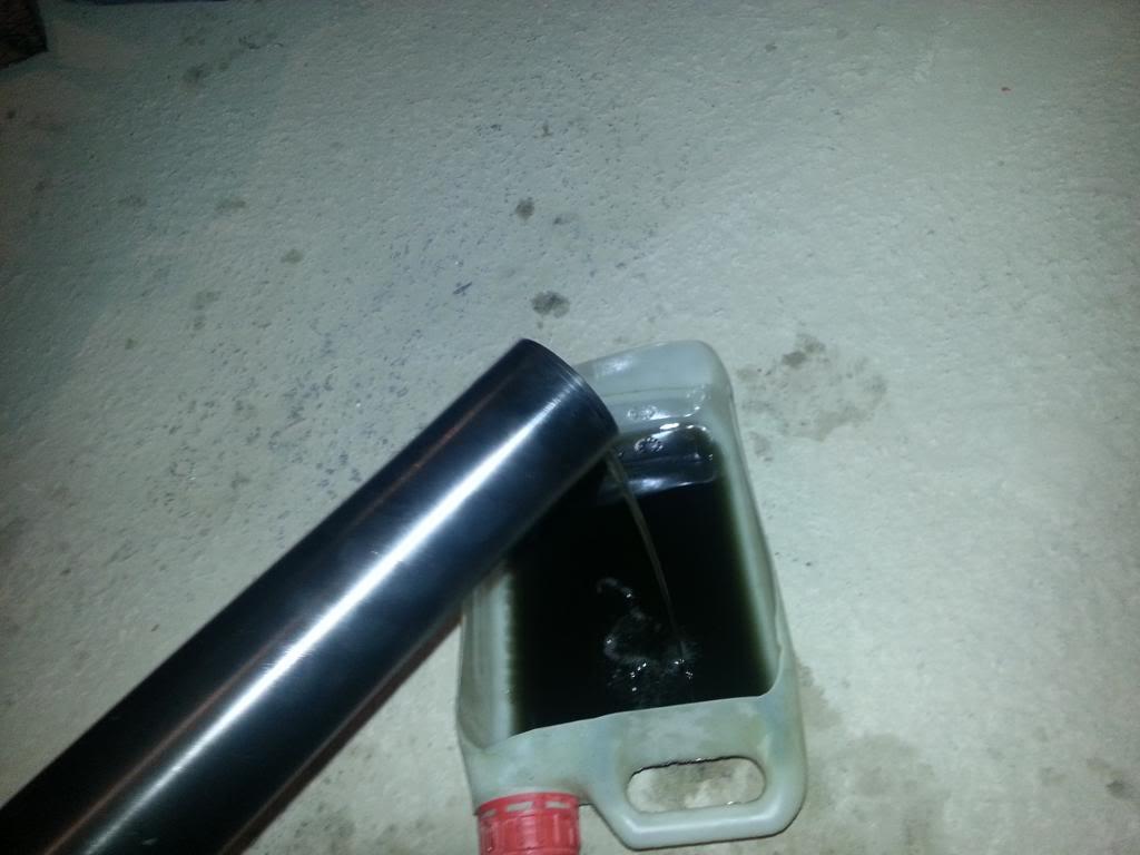 tutorial revisar y cambiar aceite horquillas wp superduke 20130521_142638_zps03b61a2b