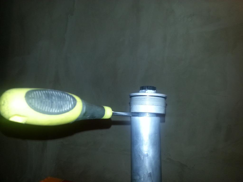 tutorial revisar y cambiar aceite horquillas wp superduke 20130521_150031_zpsf6db6dd1