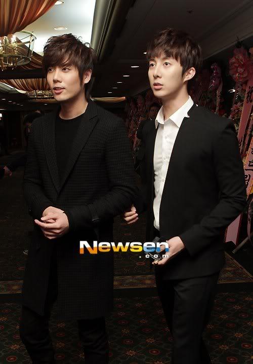 Kim Hyun Joong, Heo Young Saeng, Kim Kyu Jong y Kim Hyung Jun en la boda del CEO de B2M Entertainment Kil Jong-Hwa Shj10