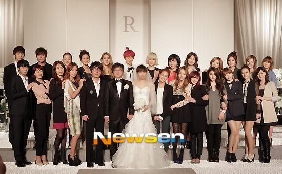 Kim Hyun Joong, Heo Young Saeng, Kim Kyu Jong y Kim Hyung Jun en la boda del CEO de B2M Entertainment Kil Jong-Hwa Shj9