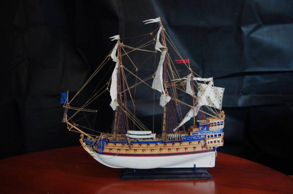SIRENE, vaisseau au 1/150e- Heller - Page 2 IMGP2494copie