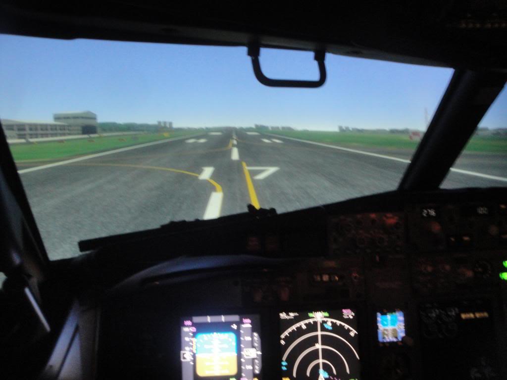 Visita ao Simulador do 737-800NG na SIM Industries DSC01986_zpsd6b62db8