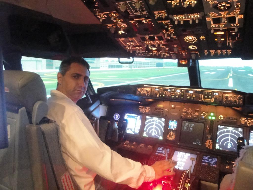 Visita ao Simulador do 737-800NG na SIM Industries DSC01987_zpsd16026ac